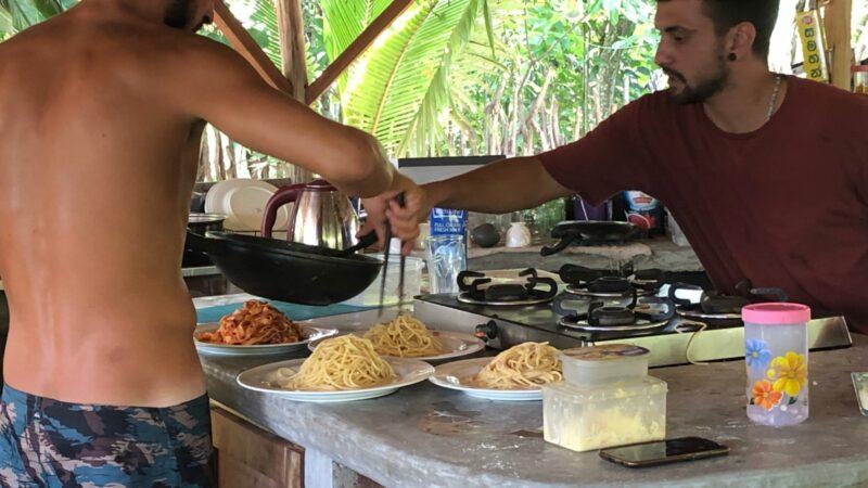 STORIE DAL MONDO – Andrea, destinazione Sri Lanka per crescere e cambiare vita
